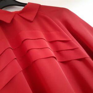 Bonte Koe Verhuur Maasland - Rood blouse jaren '50