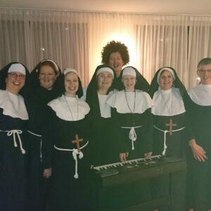 Bonte Koe Verhuur Maasland - Nonnenkostuums