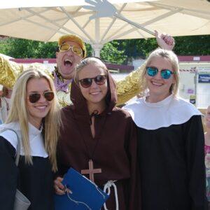 Bonte Koe Verhuur Maasland - Monniken en nonnen