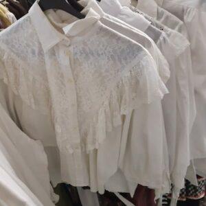 Bonte Koe Verhuur Maasland - Kanten blouses wit