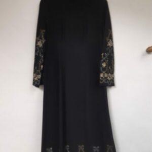 Bonte Koe Verhuur Maasland - Zwarte jurk met borduursel